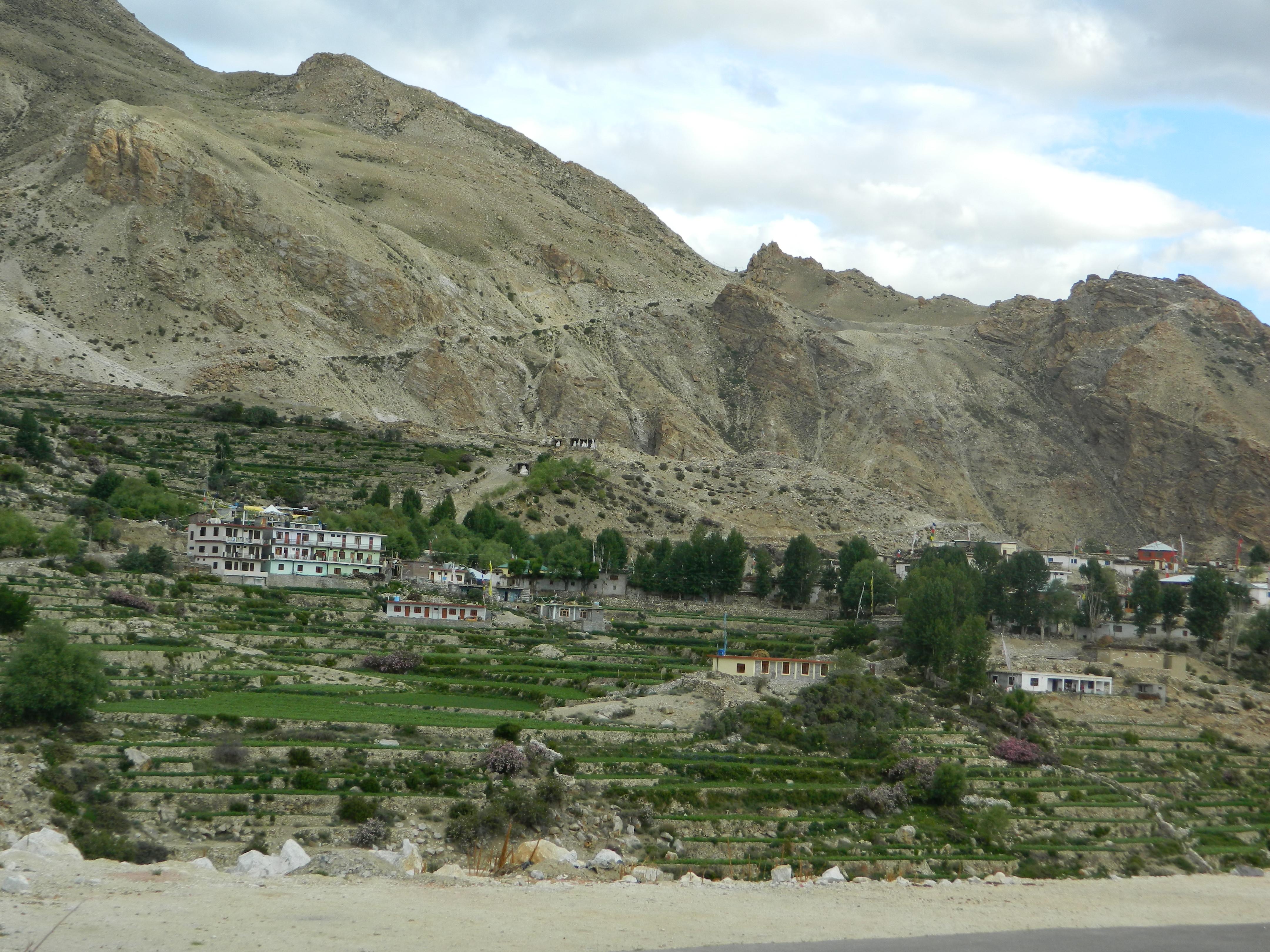 passes lies in the sutlej valley